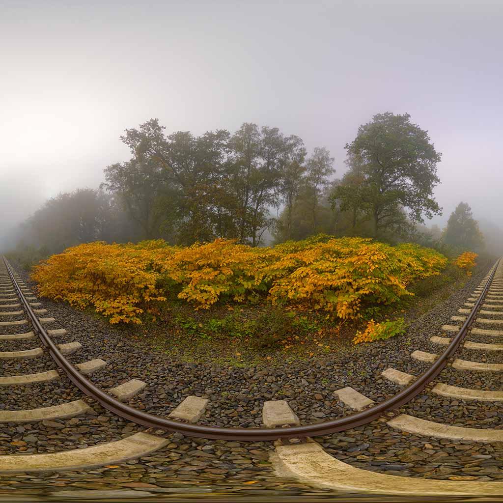 Schienen Nebel 180° Panorama